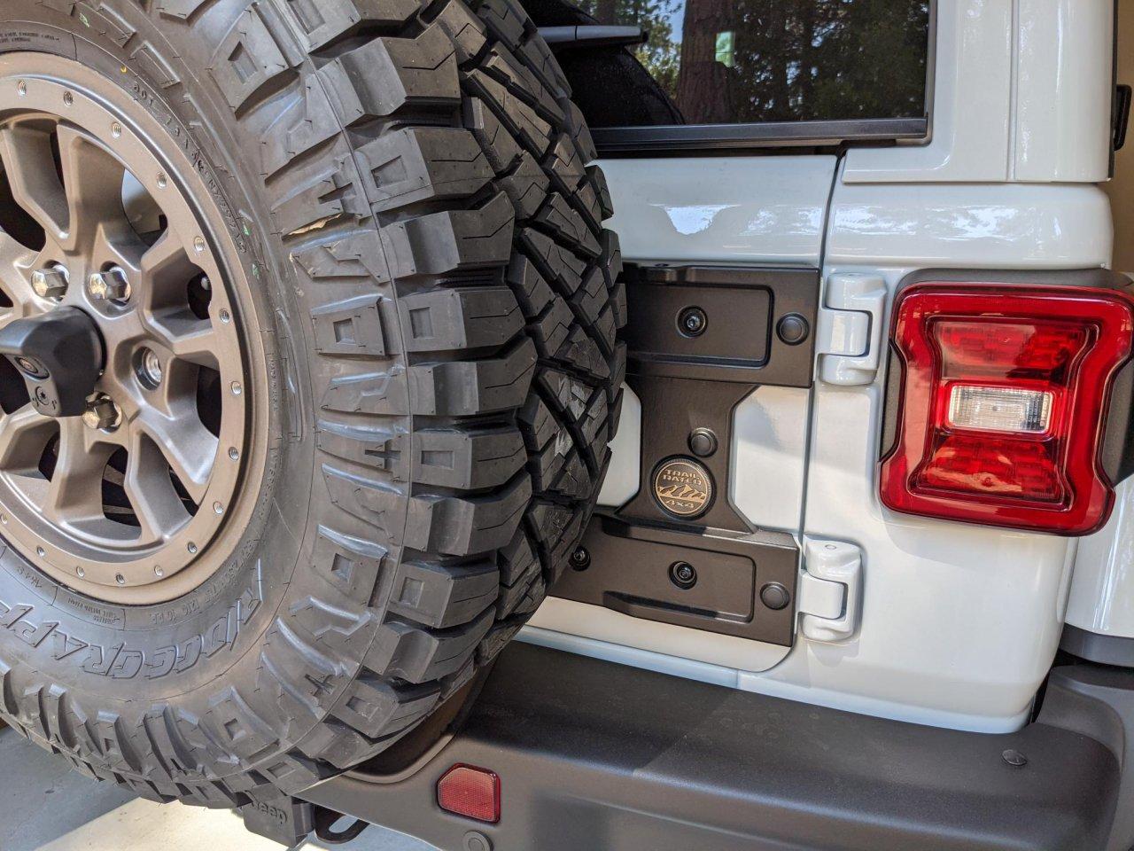 tire carrier.jpg